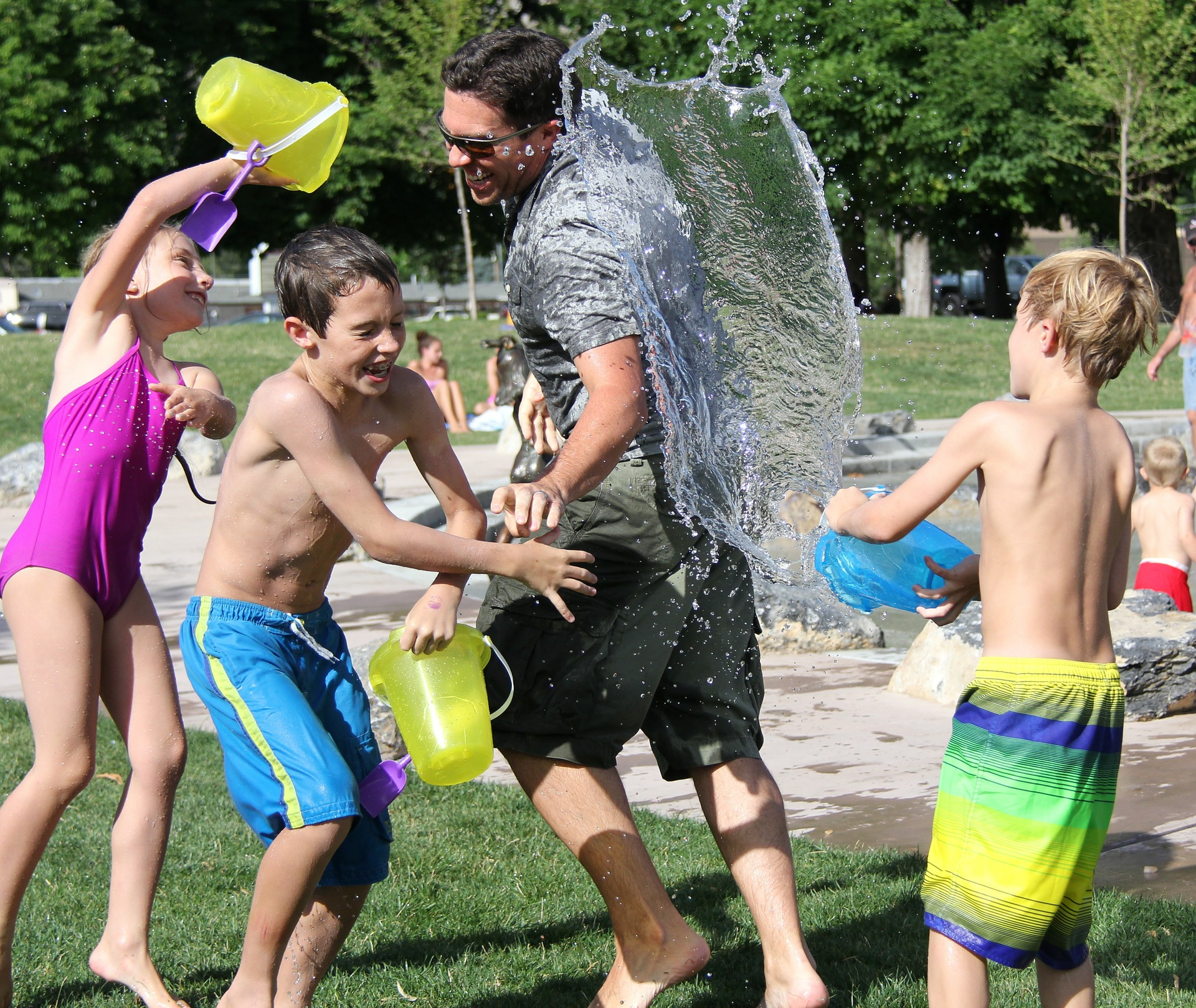water-fight-442257_1920 (1)